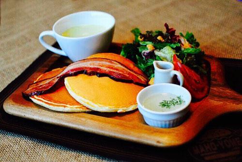エインズワース家の朝食プレート